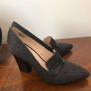 Nine West classic loafer style heel
